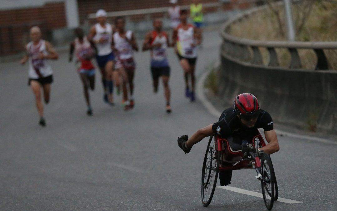 Esperan 8 mil corredores en la Media Maratón Internacional Miranda 21K