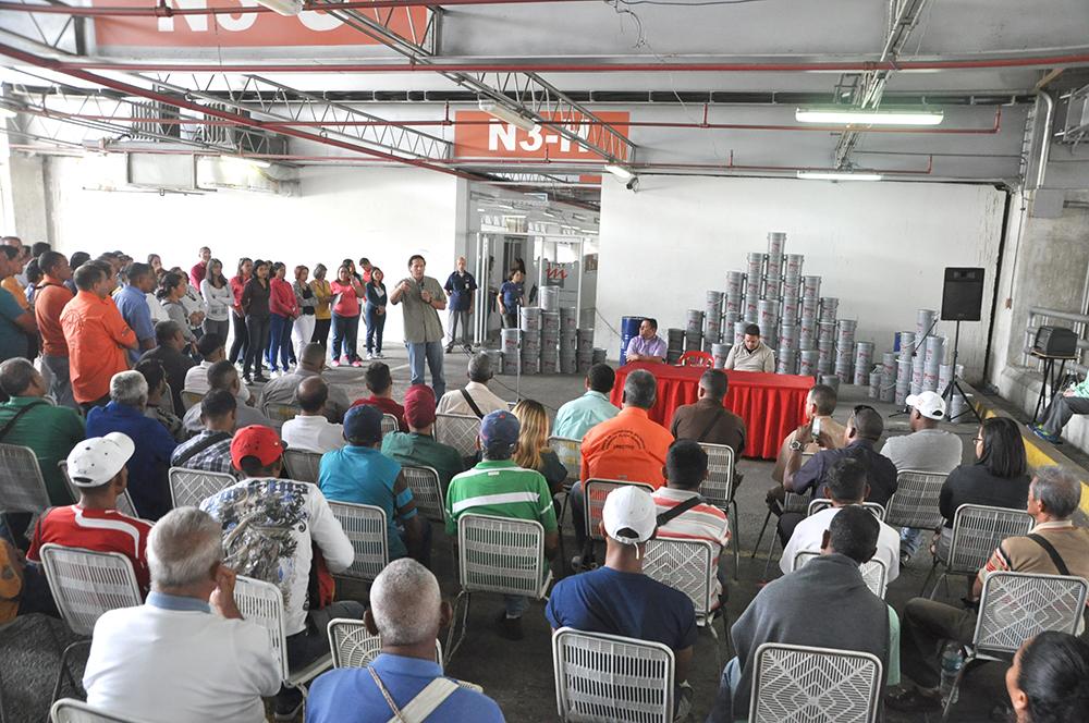 Secretaría de Transporte de Miranda entregó aceites de motor a transportistas