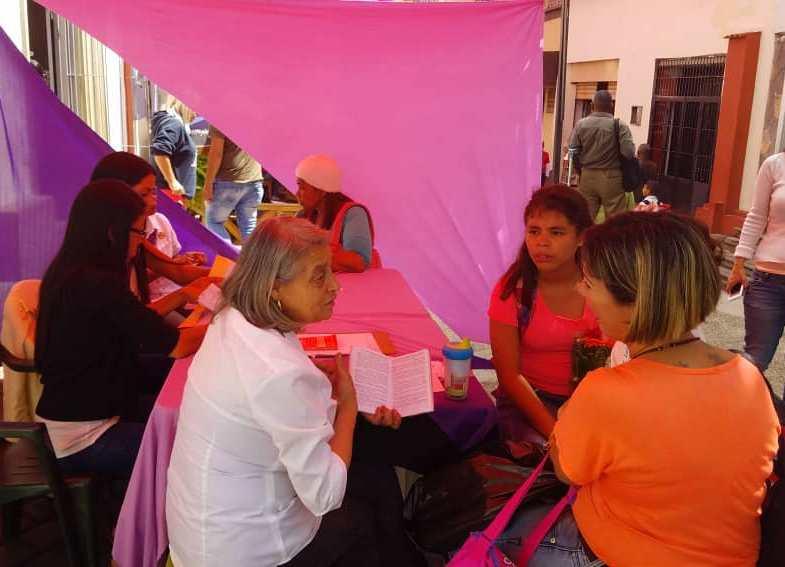 Realizaron Toldazo por eliminación de violencia contra la mujer