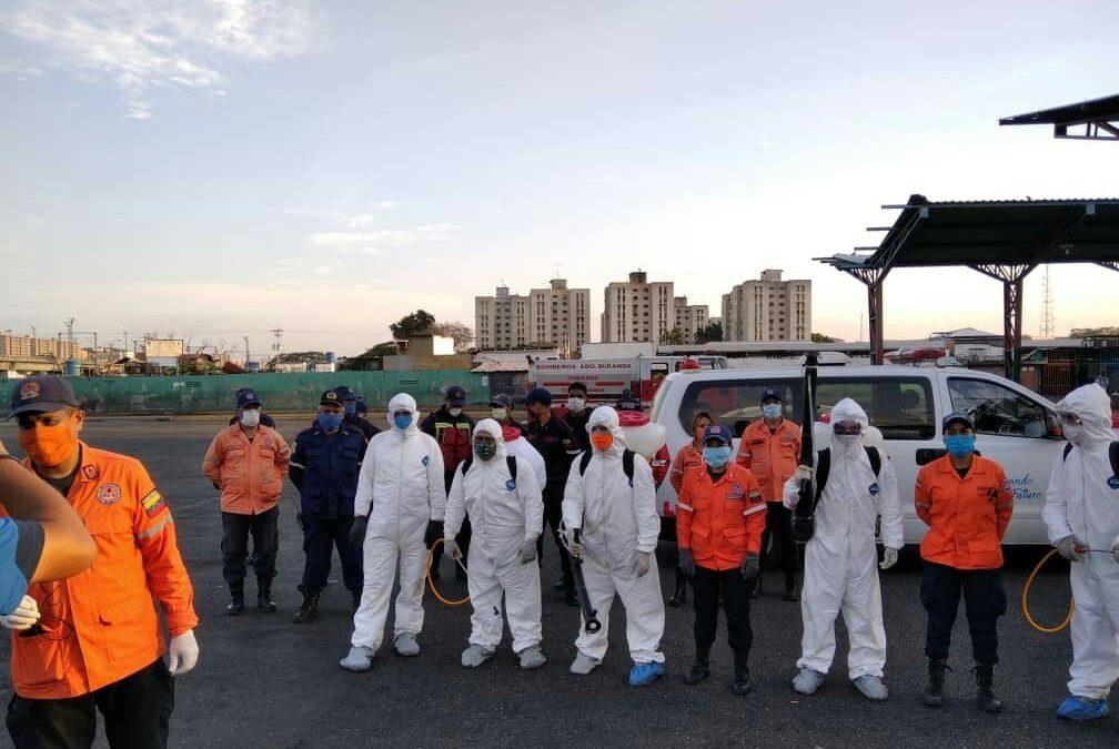 Bomberos de Miranda participan en desinfección de áreas públicas