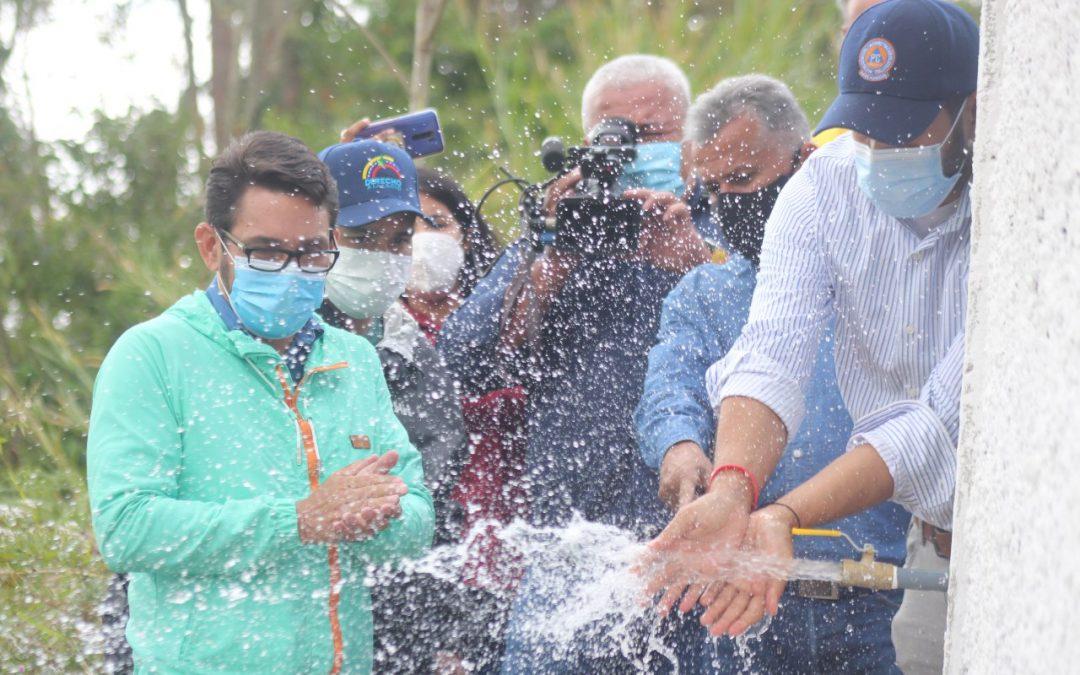 Activado pozo de agua en Carrizal para atender más de 4 mil familias