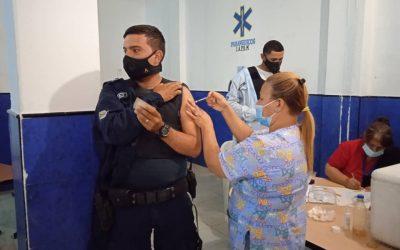 Avanza vacunación contra la COVID -19 en sedes de la Policía de Miranda