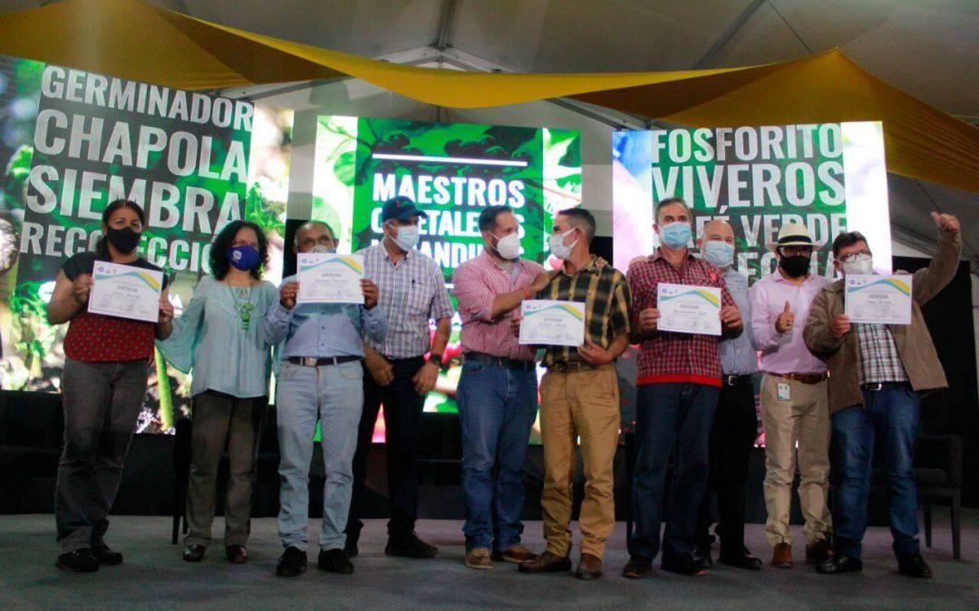 Graduada primera cohorte del diplomado Maestros Cafetaleros en Miranda